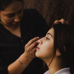 An essential guide on becoming a professional makeup artist